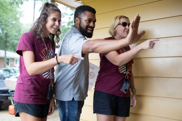 SU Teachers Hit the Street to Greet Families for 2019-20
